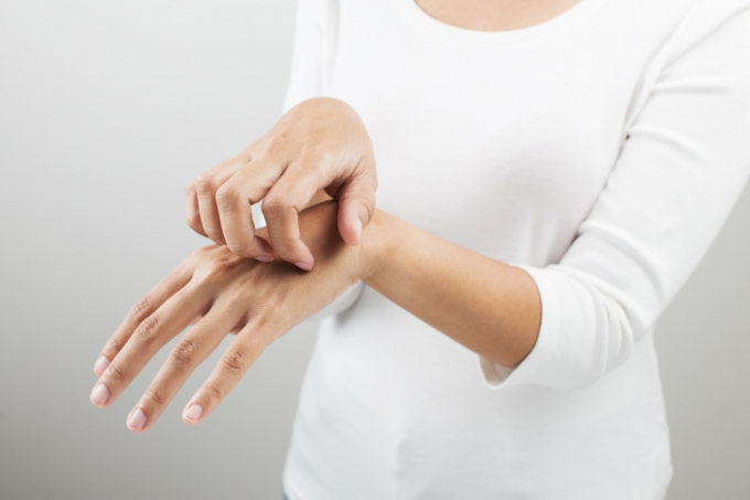 シースルーホワイト 副作用 危険性 アレルギー なるもの 入って いる
