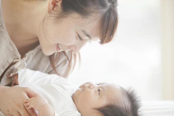 カナデル アイ クリーム 妊娠中 出産後 使って 大丈夫 副作用 ない