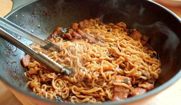 チャパグリ とは パラサイト 出てくる 食べ物 正体 とは 作り方 紹介